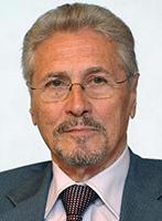 Emil Constantinescu Profesor emerit, preşedinte de onoare al Senatului Universităţii din Bucureşti Membru al board-ului Academiei Mondiale de Artă și Știință