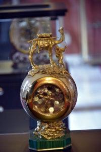 Ceas de aur și pietre semiprețioase de la emirul Qatarului