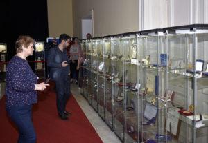 Numeroasele diplome de doctorat Honoris Causa, robe și medalii dăruite de marile universități ale lumii, dar și de alte instituții internaționale, în semn de prețuire pentru activitatea științifică și diplomatică a președintelui Emil Constantinescu