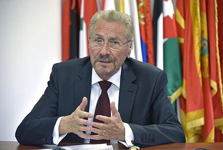 Emil CONSTANTINESCU: Pacea, fundament al guvernanței globale