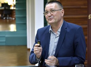 prof. Eden Mamut (secretar-general al Rețelei Universităților de la Marea Neagră)