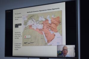 Un model istoric pentru proliferarea păcii și a dezvoltării în interacțiunea dintre două religii monoteiste. Conferința ,,Jews, Urbanization and Demographic Shifts in the Medieval Islamic World, susținută profesorul Phillip I. Lieberman, Vanderbilt University, Nashville, Tennessee