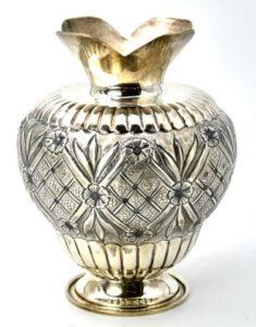 """Expoziția """"Tradiție și identitate. Comunitatea musulmană din Dobrogea"""" - artefacte din colecțiile Institutului Levant, donate de președintele Emil Constantinescu"""
