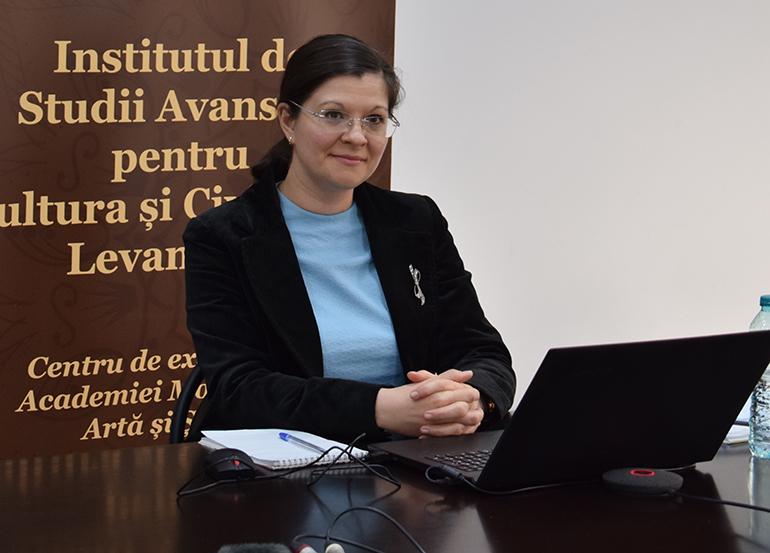 Dr. Oana Brânda Manager al proiectului Lumea post pandemia COVID-19. O viziune umanistă pentru o dezvoltare durabilă