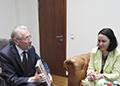 Emil Constantinescu Donație de carte din partea ISACCL pentru Ambasada României la Berlin