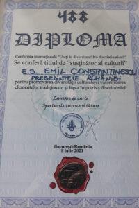 """Uniunea Democrată Tătară (UDT) din România i-a conferit președintelui Emil Constantinescu titlul de """"susținător al culturii"""""""